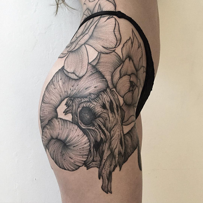 мрачное очарование татуировок блэкворк25
