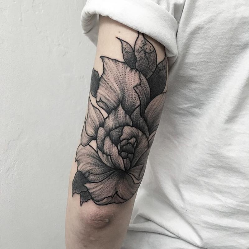мрачное очарование татуировок блэкворк6